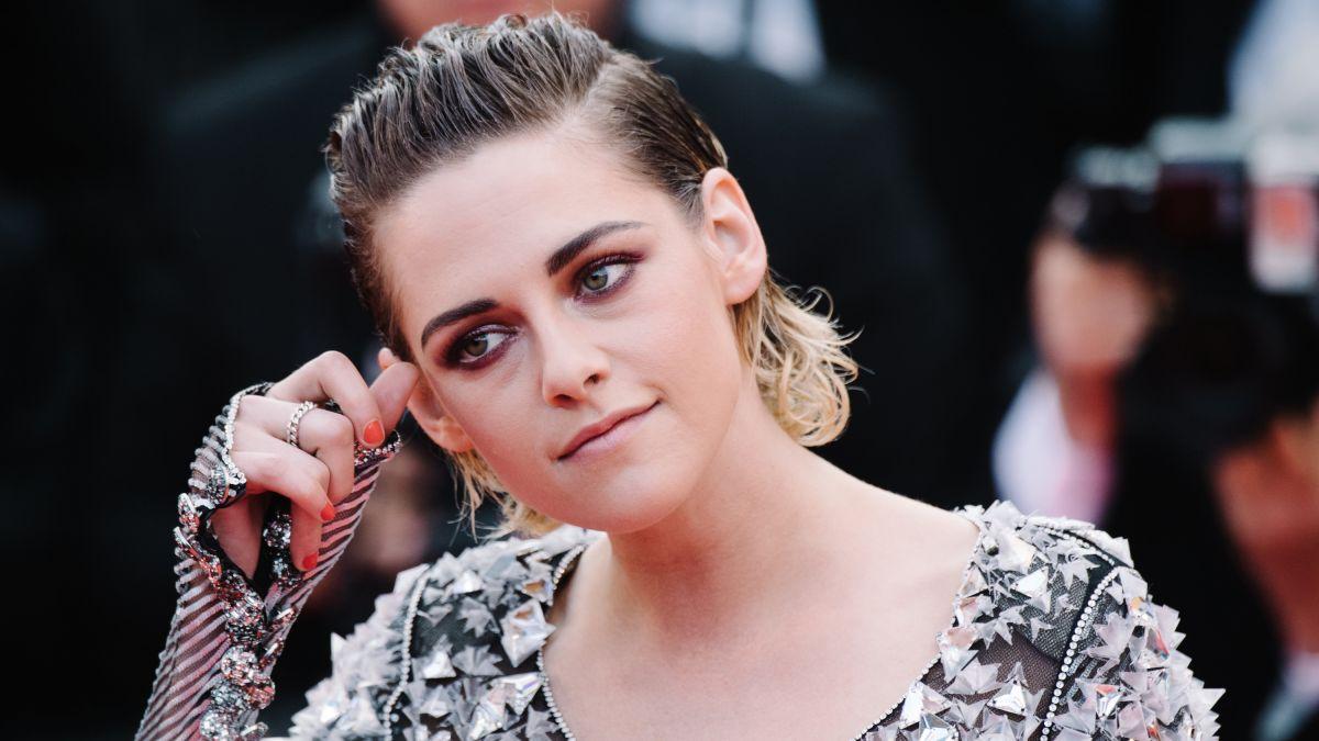"Kristen Stewart diz que está empolgada para ouvir Robert Pattinson dizer ""I'm Batman"""