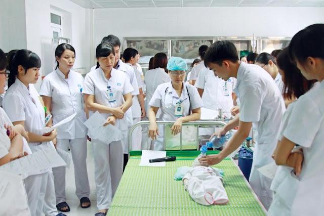 Đào tạo Đại học Điều dưỡng chuyên nghiệp.