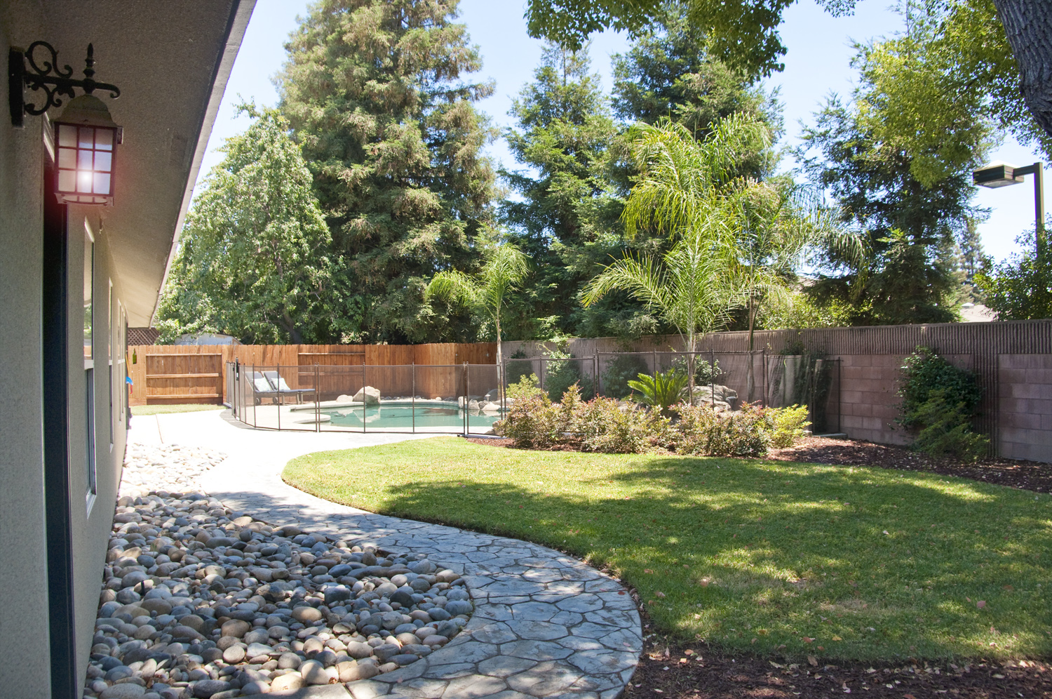 Visalia homes by jillian bos for Landscaping rocks visalia ca