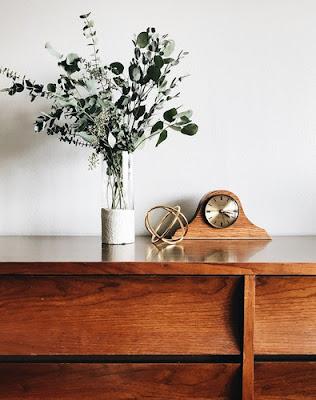 10 نصائح لتنظيف وتلميع الأثاث الخشبي