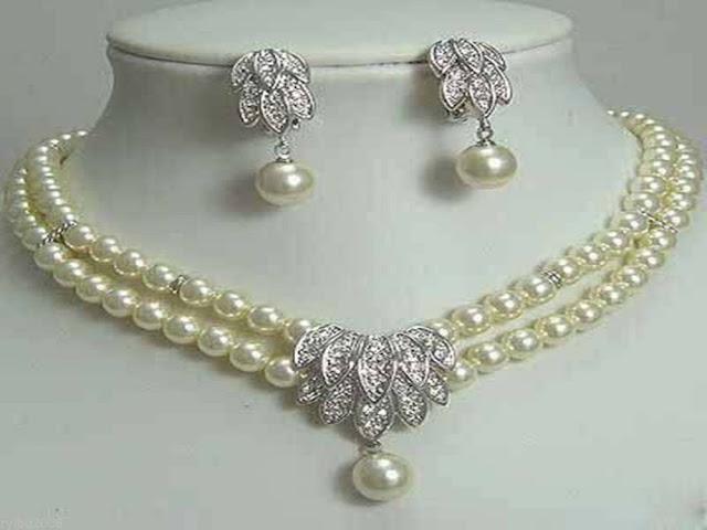 Panduan Merawat Perhiasan Perak, Mutiara, dan Berlian