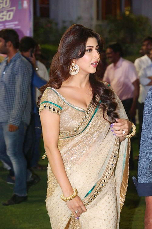 Sonarika Bhandoria Super Cute Beauty in Saree Spicy Pics