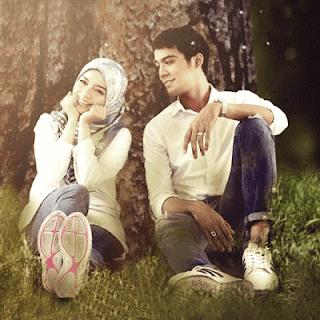 Mira Filzah sebagai Afnan Tasneem dan Aliff Aziz sebagai Syed Nadzhan Dalam Drama Adaptasi Novel Meh Sandar Pada Aku, Slot Dahlia, TV3.