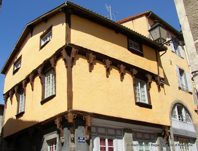 Maringues, Puy-de-Dôme, la maison des sept péchés capitaux.