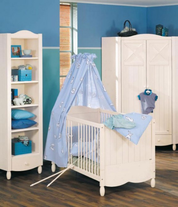 dormitorio de bebé paredes azules