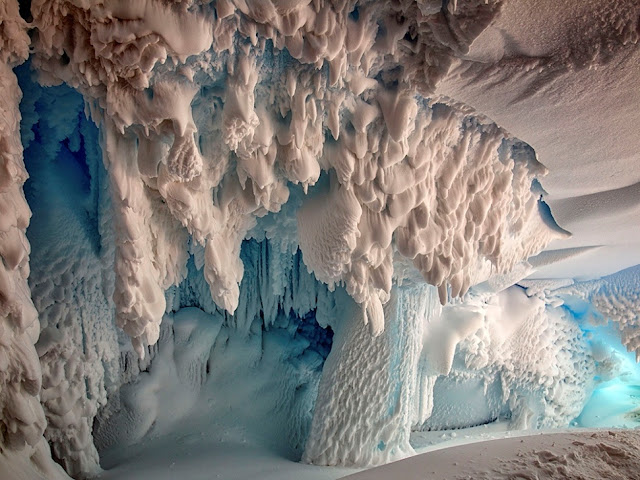 Secret Life May Thrive Under Warm Antarctic Caves