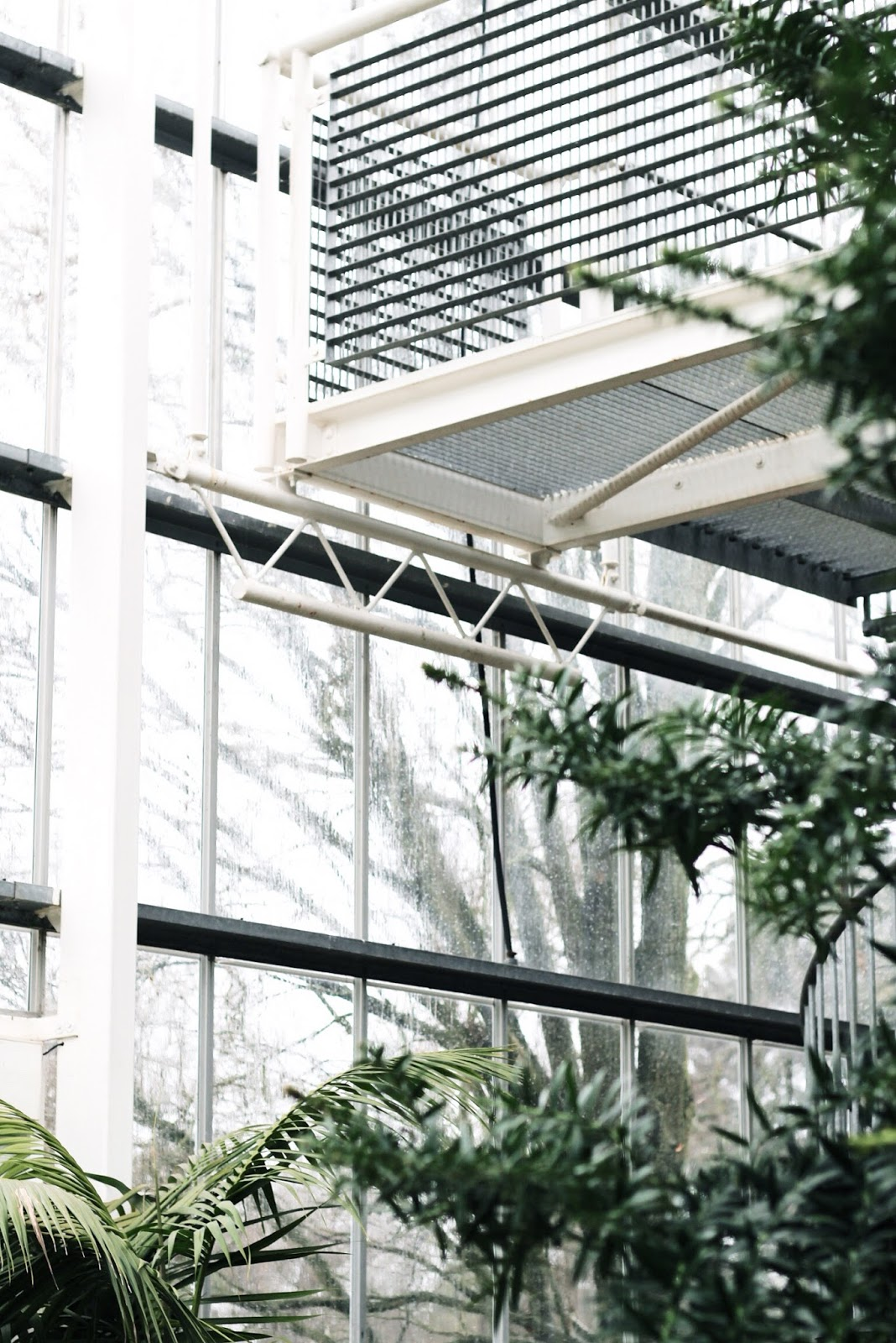 Glasshouse similar to Sky Garden near London