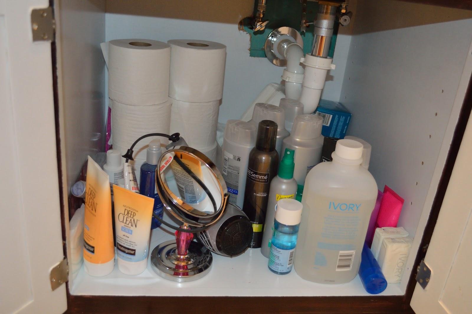 Easy Ways To Organize A Messy Bathroom