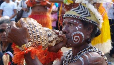 Alat musik tradisional indoneisa dari papua