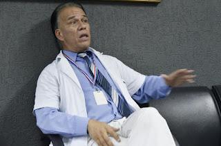 dr carlos cubas denunciado por agredir a la directora del hospital donde trabaja noticias%2Bde%2Bparaguay