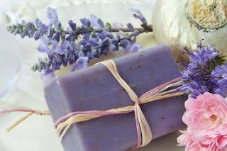 http://sironaindia.com/12-basic-rules-for-womens-intimate-hygiene/