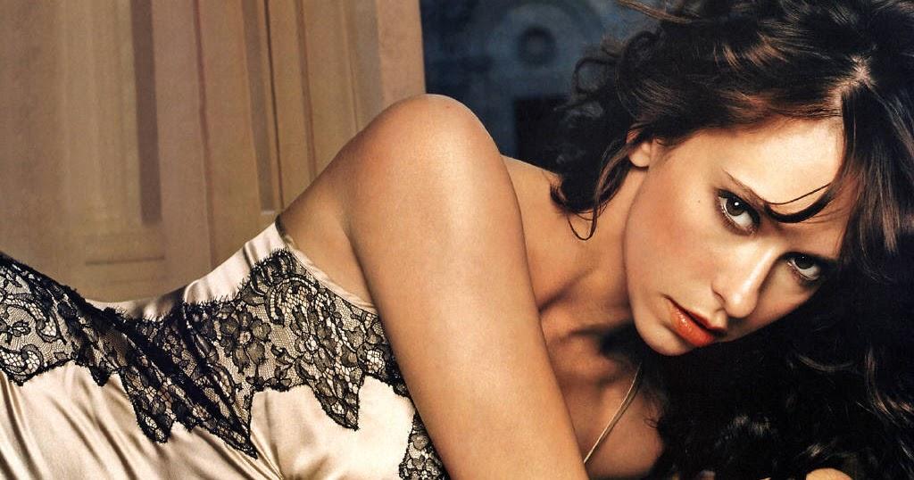 Jennifer Love Hewitt mag ihre Brste - Top Story