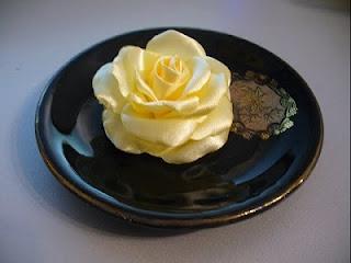 Мастер-класс: роза из атласа