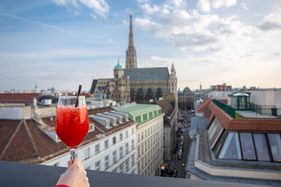 Rooftop bar Vienna by Laurence Norah