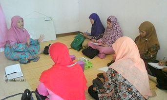 Kelas Menulis Artikel dan Cerita    Buat Emak-Emak Salimah Bengkulu (Bagian Satu)