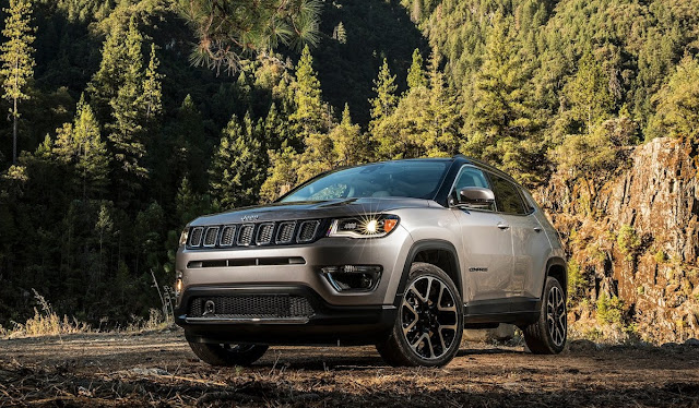 2017 Jeep Compass grey