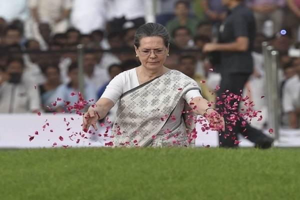 जयललिता ने अदम्य साहस के साथ जीवन जिया: सोनिया गांधी