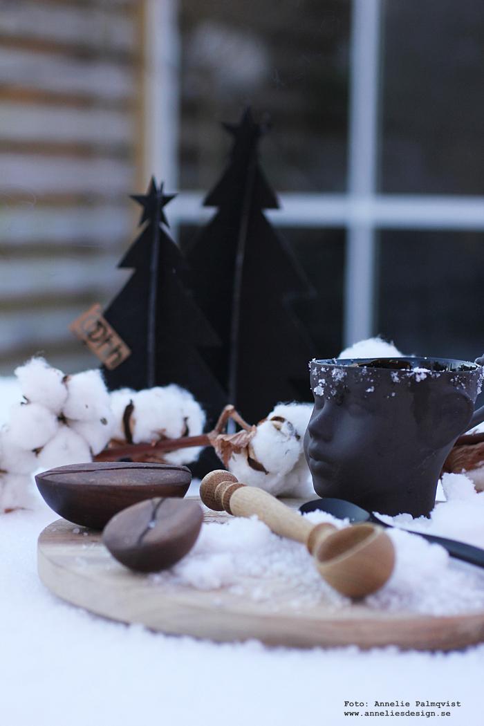 annelies design, webbutik, webshop, nätbutik, kaffeböna, kaffebönor, snö, skärbräda, ansikte mugg, vinter, vinterbild, varberg, granar, gran, julpynt, julen 2017, Oohh, dekoration, advent