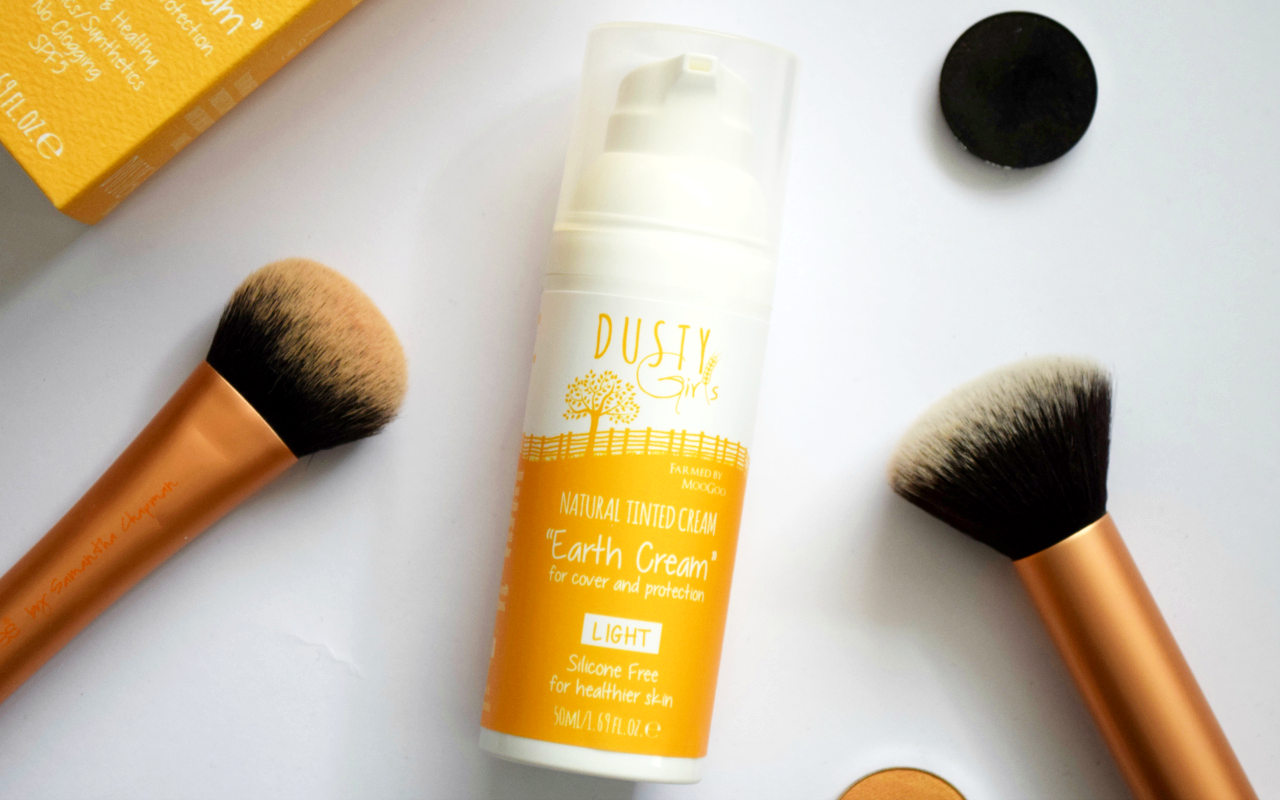 Dusty Girls Earth Cream Natural Tinted Cream Review