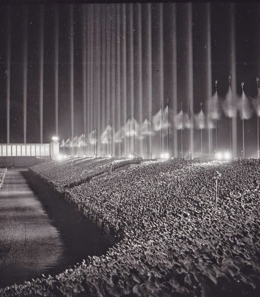 Mitin nazi en la Catedral de la Luz, 1937