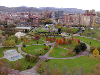 Taman Unik Bergaya Perancis Di Bilbao Spanyol