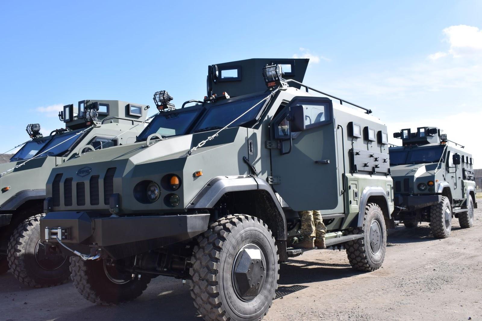 Артилеристи 28-ї бригади отримали бронемашини Варта