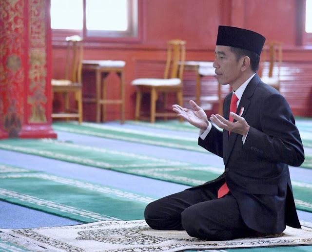 YukDikomentari – Kepingan Puzzle: Rizieq si Pesakitan, Fadli Zon, dan Jokowi yang Gagal Dikudeta