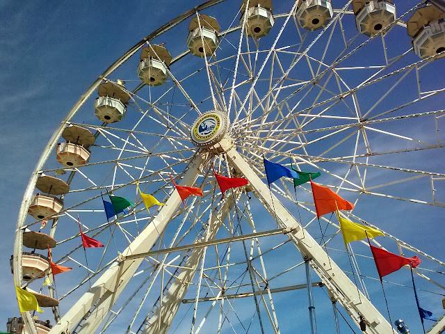 Ferris wheel ride at the fair