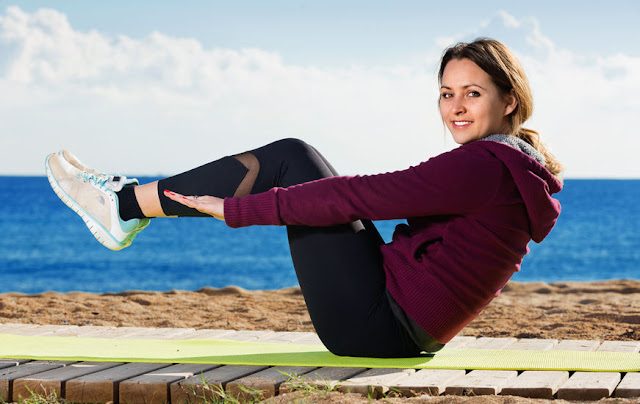 fitness nad morzem jesienią