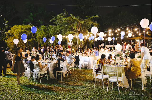 outdoor lawn wedding in a park