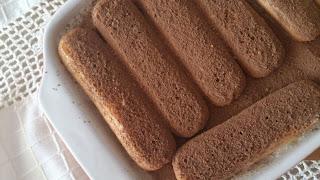 tiramisú postre italiano italia mascarpone savoiardi bizcochos de huevo licor café rico sencillo cuca sin horno