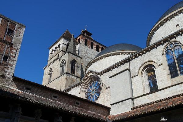 cahors vieille ville cathédrale cloître