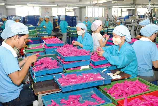 Ngành nhựa đang có nhiều cơ hội để mở rộng XK trong năm mới. Ảnh: Danh Lam.