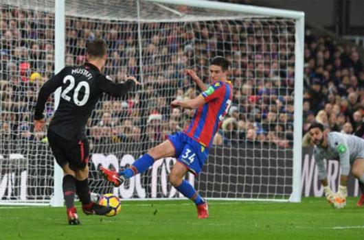 Video Crystal Palace - Arsenal: Tiệc lớn 5 bàn, rượt đuổi phút bù giờ