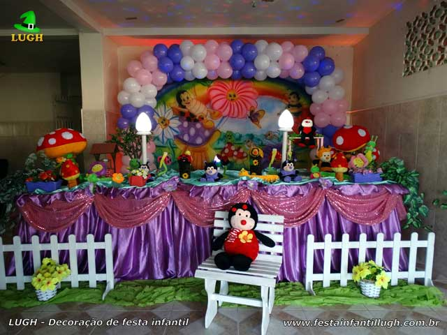 Decoração tema Jardim Encantado para festa de aniversário infantil - Mesa luxo - Recreio dos Bandeirantes RJ