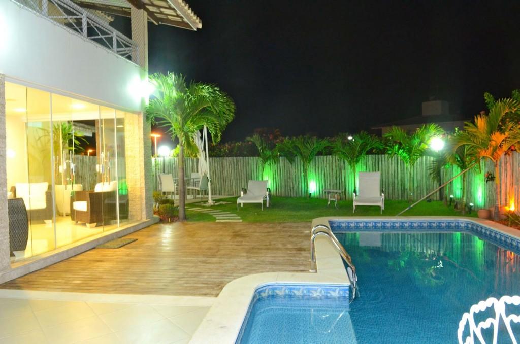 Refletor holofote led 50w branco frio bivolt ip66 externo for Luminarias para piscinas