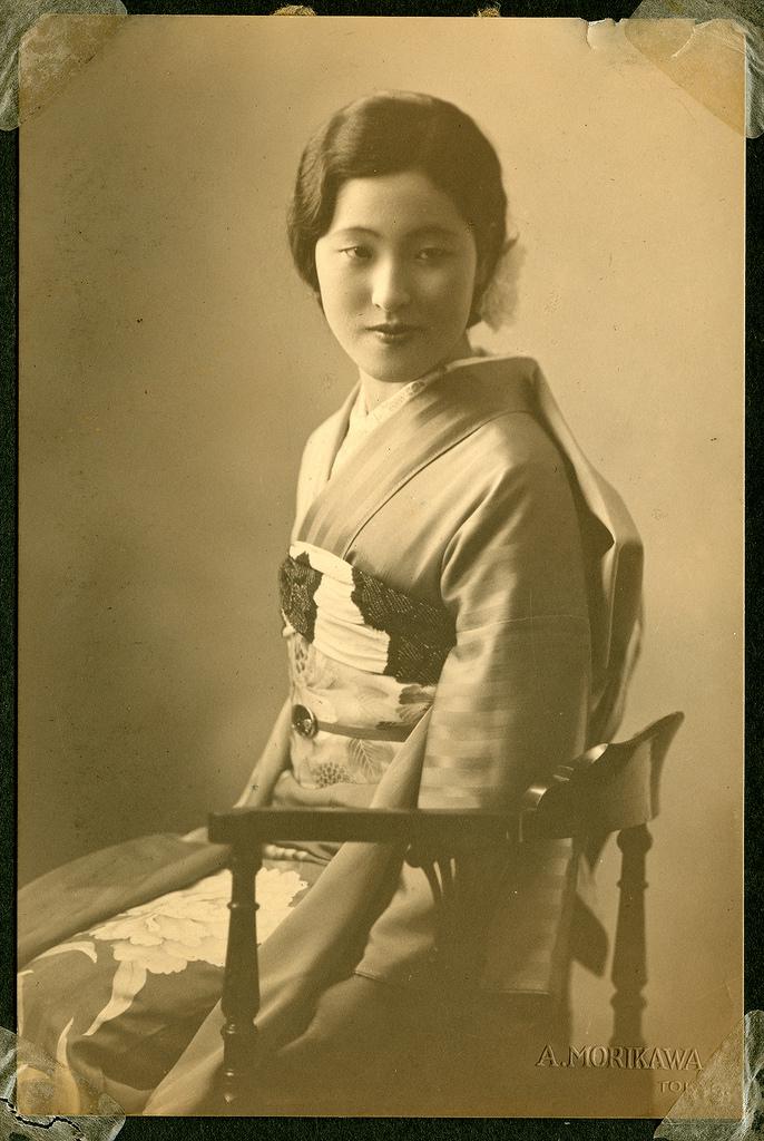 Kimonos Dressing Gowns