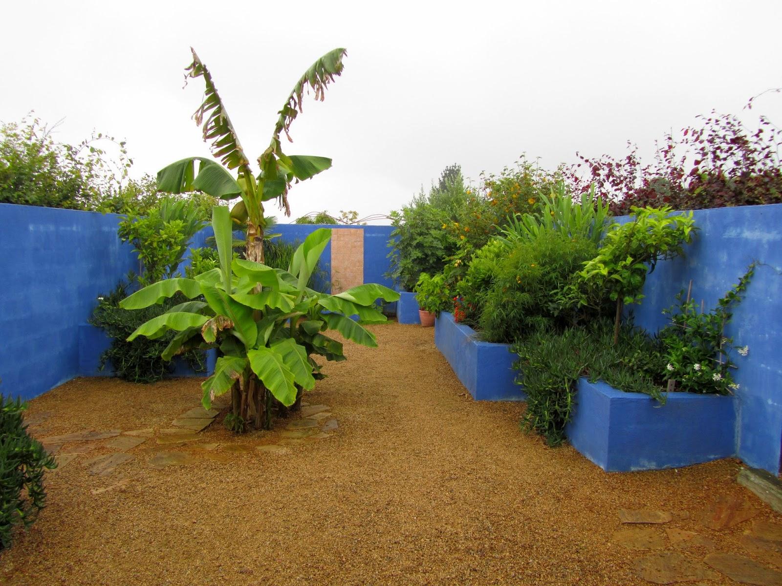 ancolies compagnie visite des jardins de kerfouler. Black Bedroom Furniture Sets. Home Design Ideas
