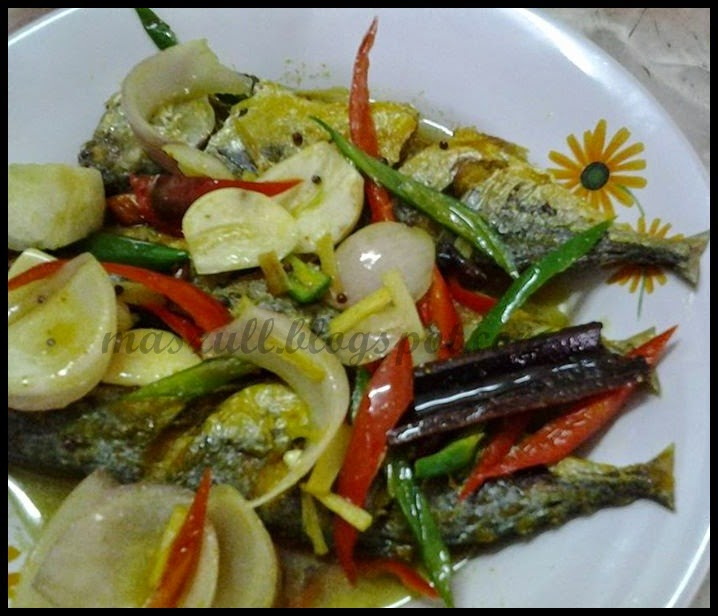 Wordless Wednesday #477...Ikan Kembong Masak Cuka