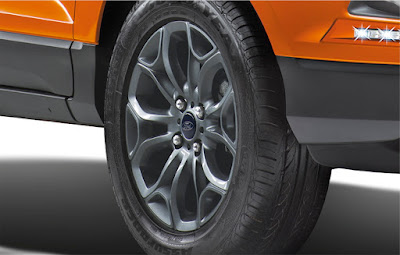 New 2016 Ford EcoSport Black Signature Edition front alloy wheel