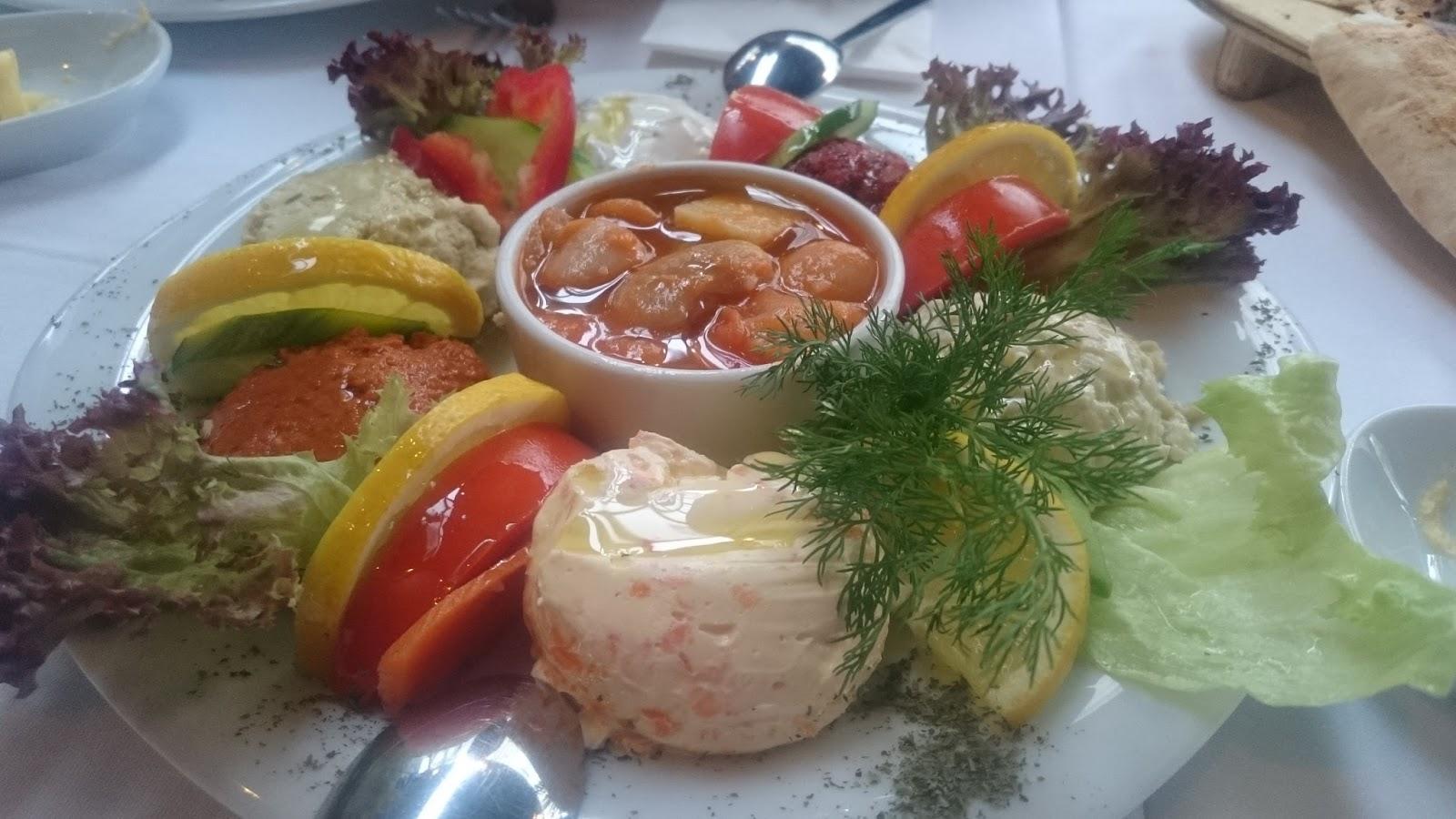 khorasani restaurant meze humus patlıca ezme