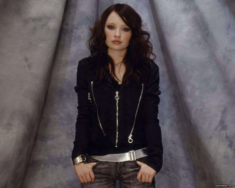 Browning Country Girl Wallpaper Emily Browning Biography And Photos Girls Idols