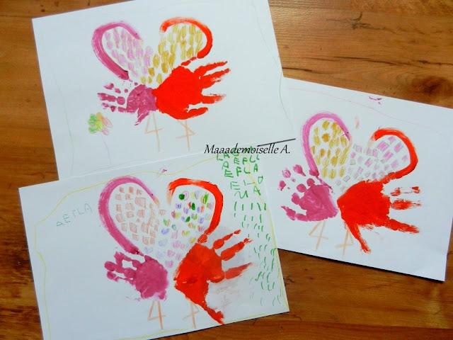 || Activité/DIY : Des flamants roses en empreintes de mains, formant un joli coeur, pour la fête des grands-mères