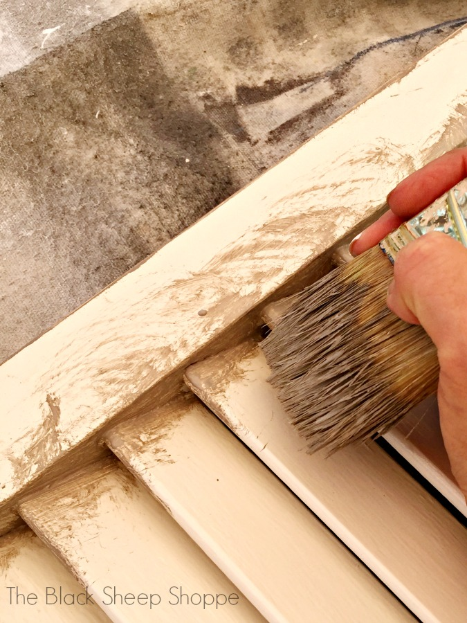 How to paint louvered doors.