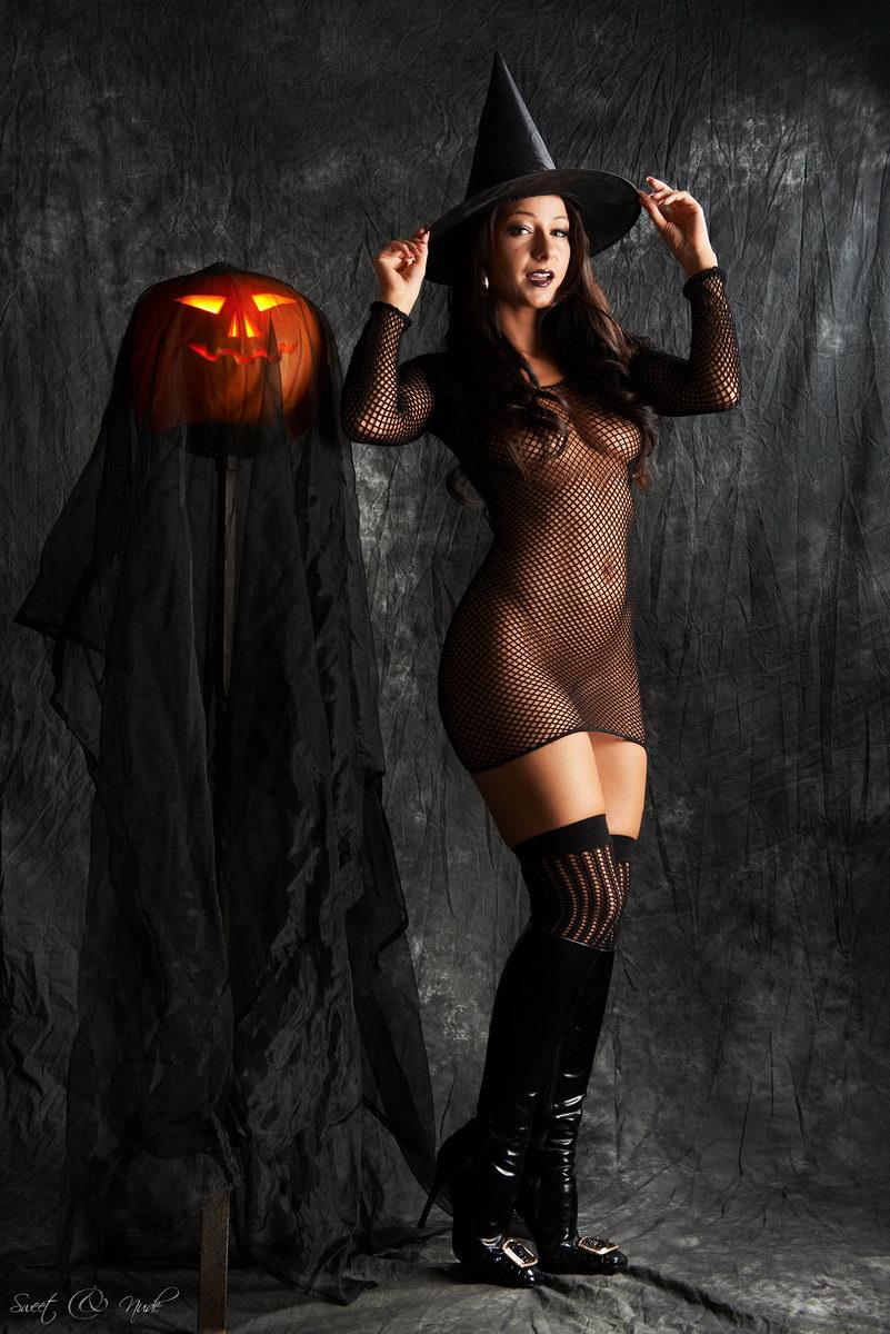 sexy-chick-halloween-naked-fuck-girlfriend-girl