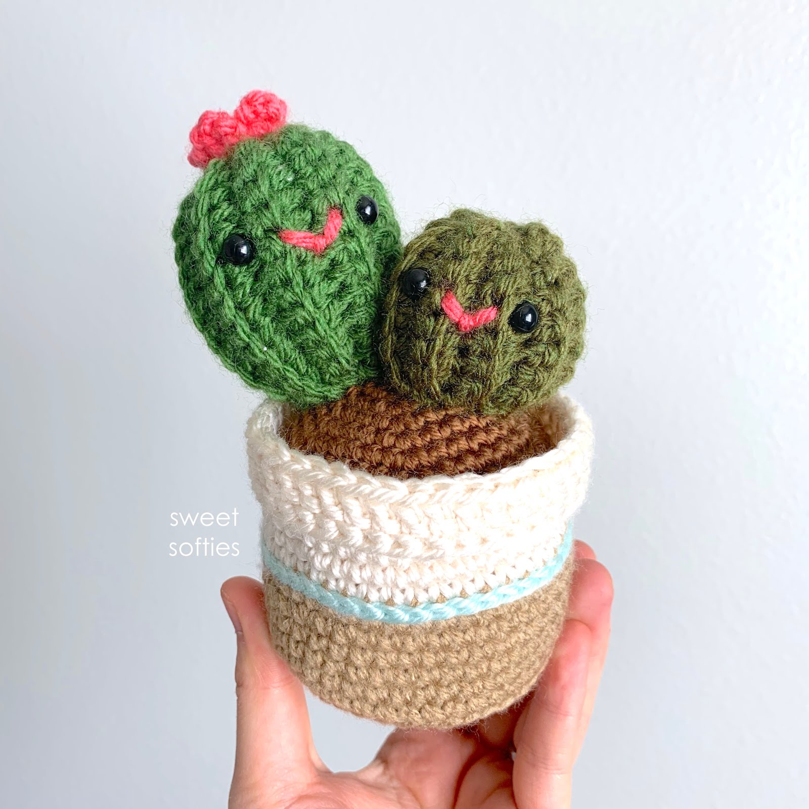 Crochet Cactus Pattern - Pops de Milk | 1600x1600