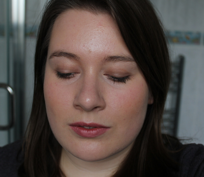 One Little Vice Beauty Blog: Natural Mineral Bronzer FOTD