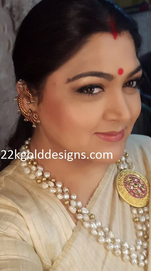 Kushboo in Pearl Chain with Round Mugappu