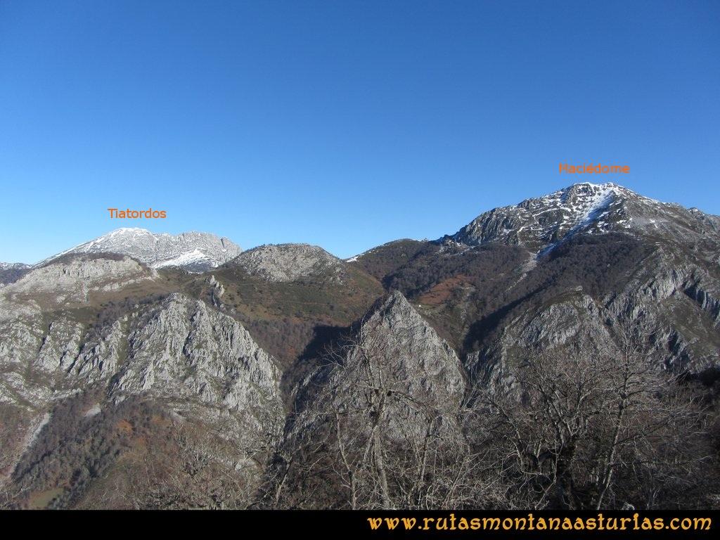 Pico Mosquito desde Tarna: Desde el pico Mosquito, vistas hacia el Maciédome y Tiatordos