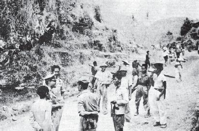 Pasukan TNI dan Polri di bersama-sama dengan rakyat mengejar para pemberontak PKI Madiun sampai ke gunung-gunung.
